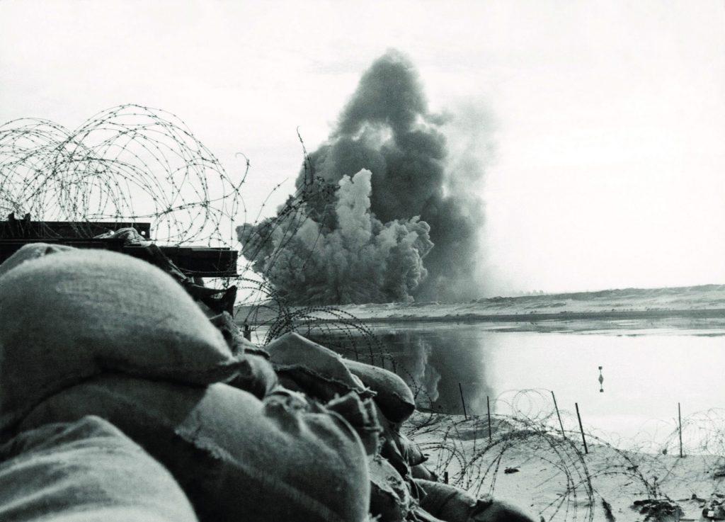 הפצצה אווירית צילום: יהושוע גקסון