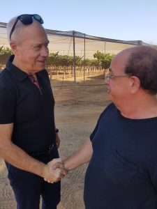 השר גלנט עם אבי פרל