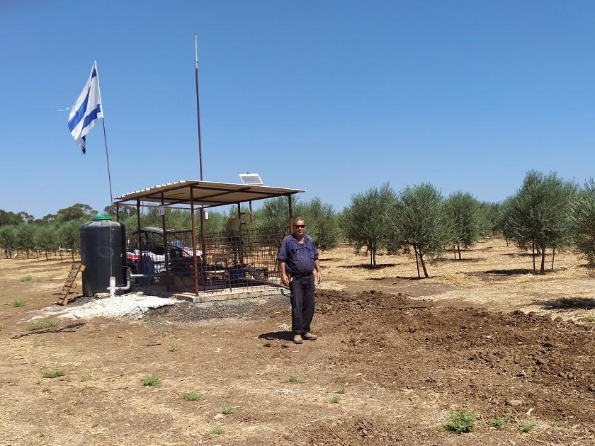 יורם ברודבקה במטע הזיתים החדש בארבל