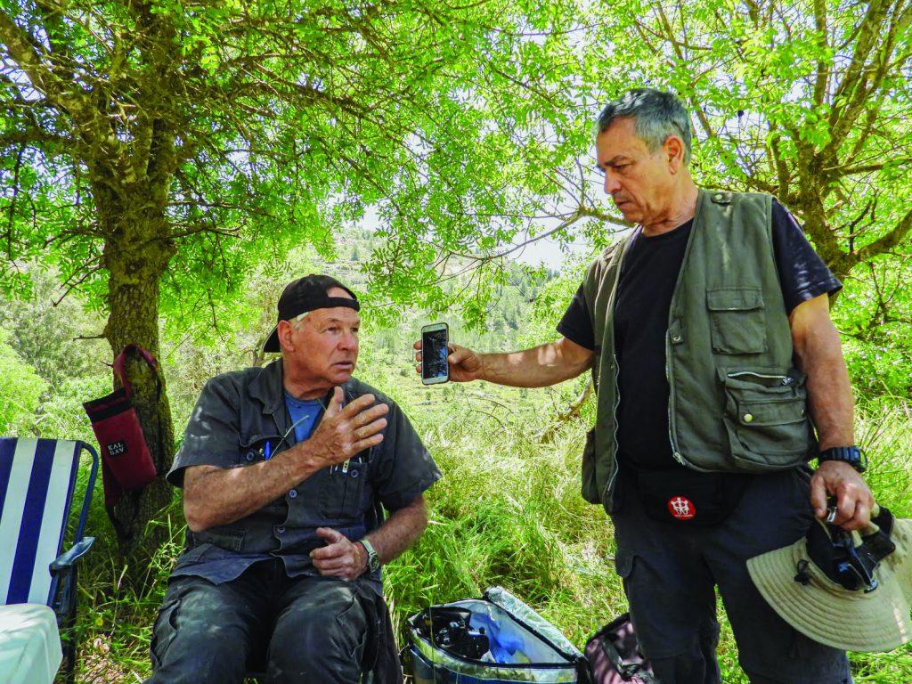 ירון גולן עם במאי ויוצר הסרטון יואב ארזי צילום שושנה גנז