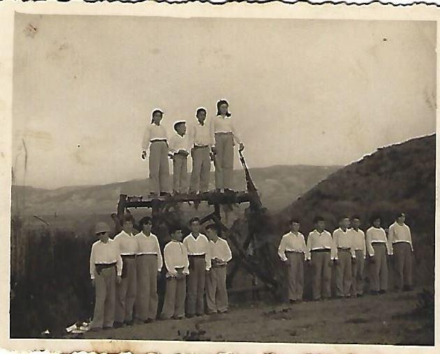 קבוצת ילדים בקיבוץ