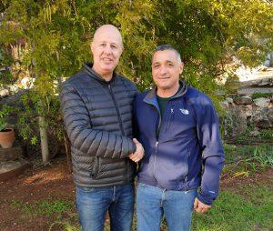 ירון בלסן מנכל ארגון מגדלי הפירות וצחי הנגבי שר החקלאות