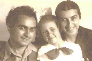 נורית גוברין עם הוריה