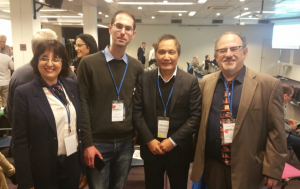 מארגני הכנס דר גו וויס מר גלעד לוריא ודר רויטל דבדבני עם שגריר וייטנאם בישראל