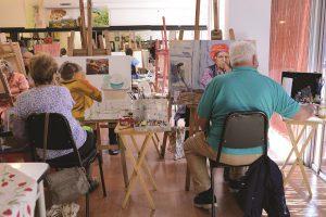 קשישים בפעילות פוטותרפיה