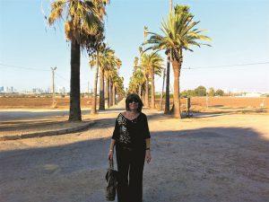 שדרת הדקלים בכניסה למקווה ישראל עדינה בביקור לאחר שנים