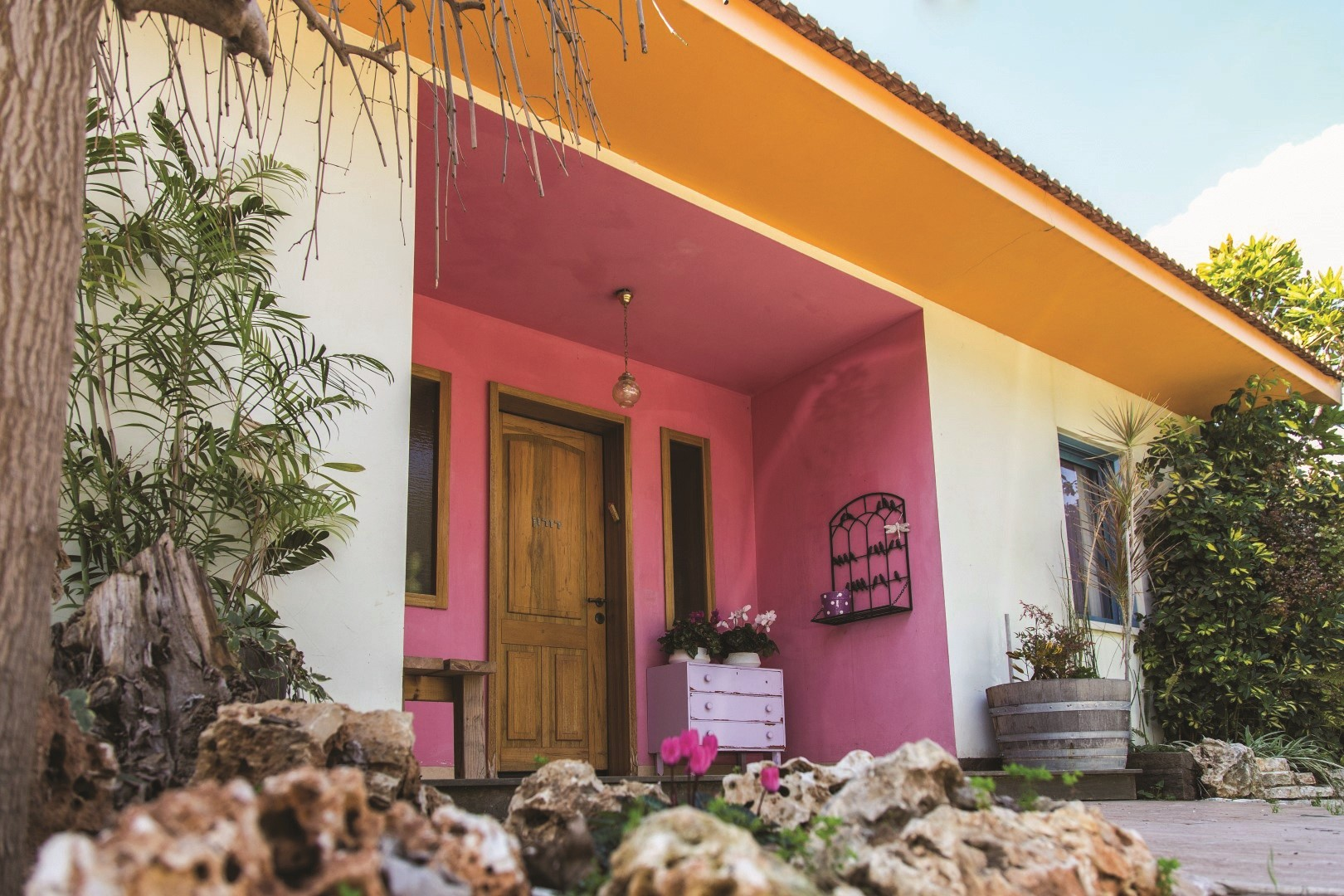 כניסה לבית עיצוב עדי קמחי צילום אבי מורג