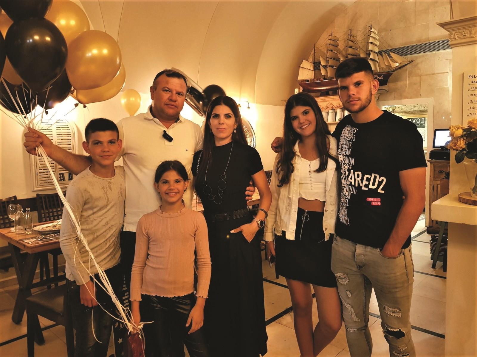 משפחת חנציס
