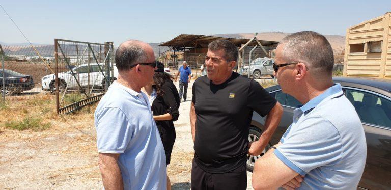 שר החוץ גבי אשכנזי בעמק המעיינות