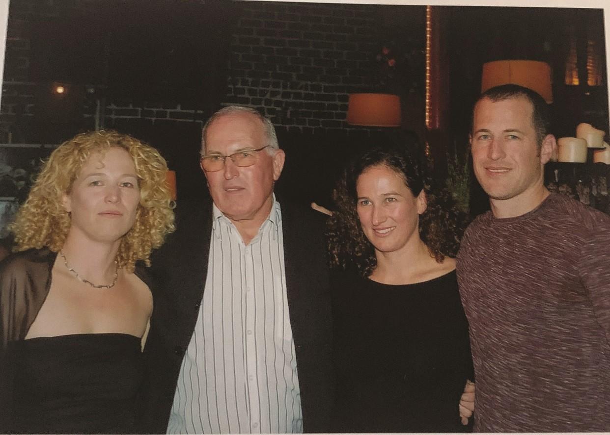 איליה עם ילדיו רעות משמאל הדס ואורי