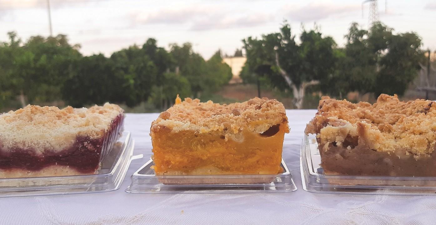 עוגות קראמבל של רינה במילוי פירות