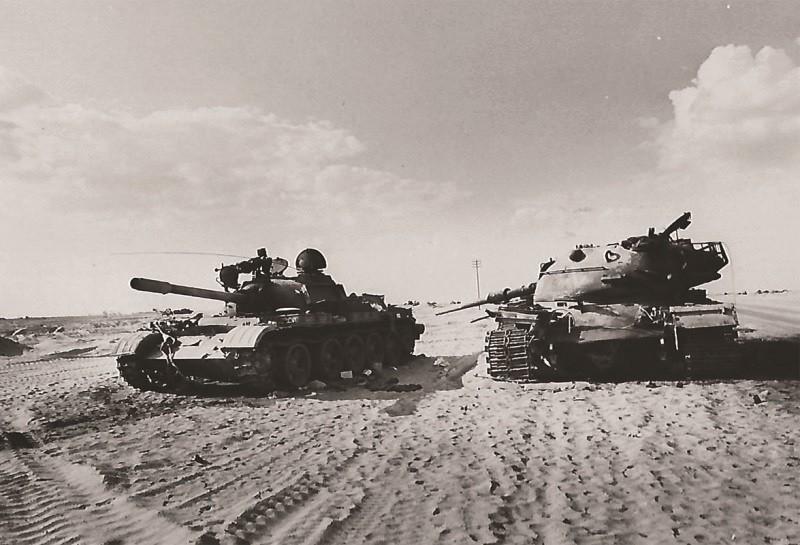 טנקים ישראלי ומצרי פגועים