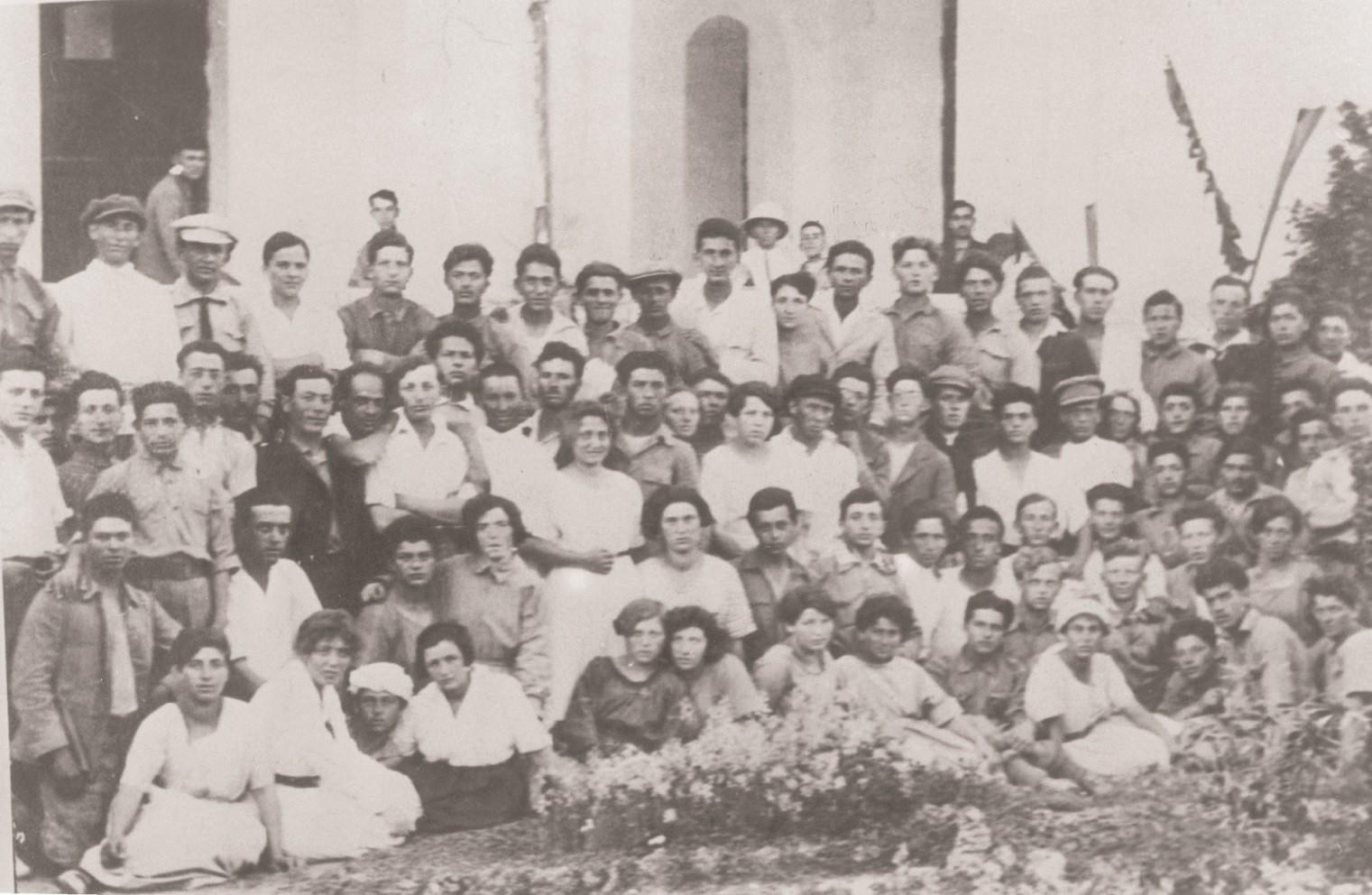 צילום משותף של קיבוץ שומריה וקבוצת ביתניה עילית