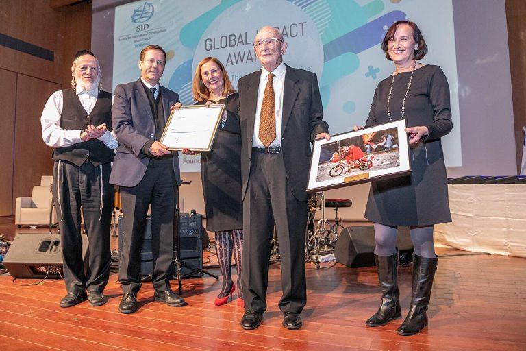 פוהורילס מקבל פרס מפעל חיים 2019