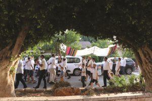 תהלוכת שמחת תורה בכפר חוגלה