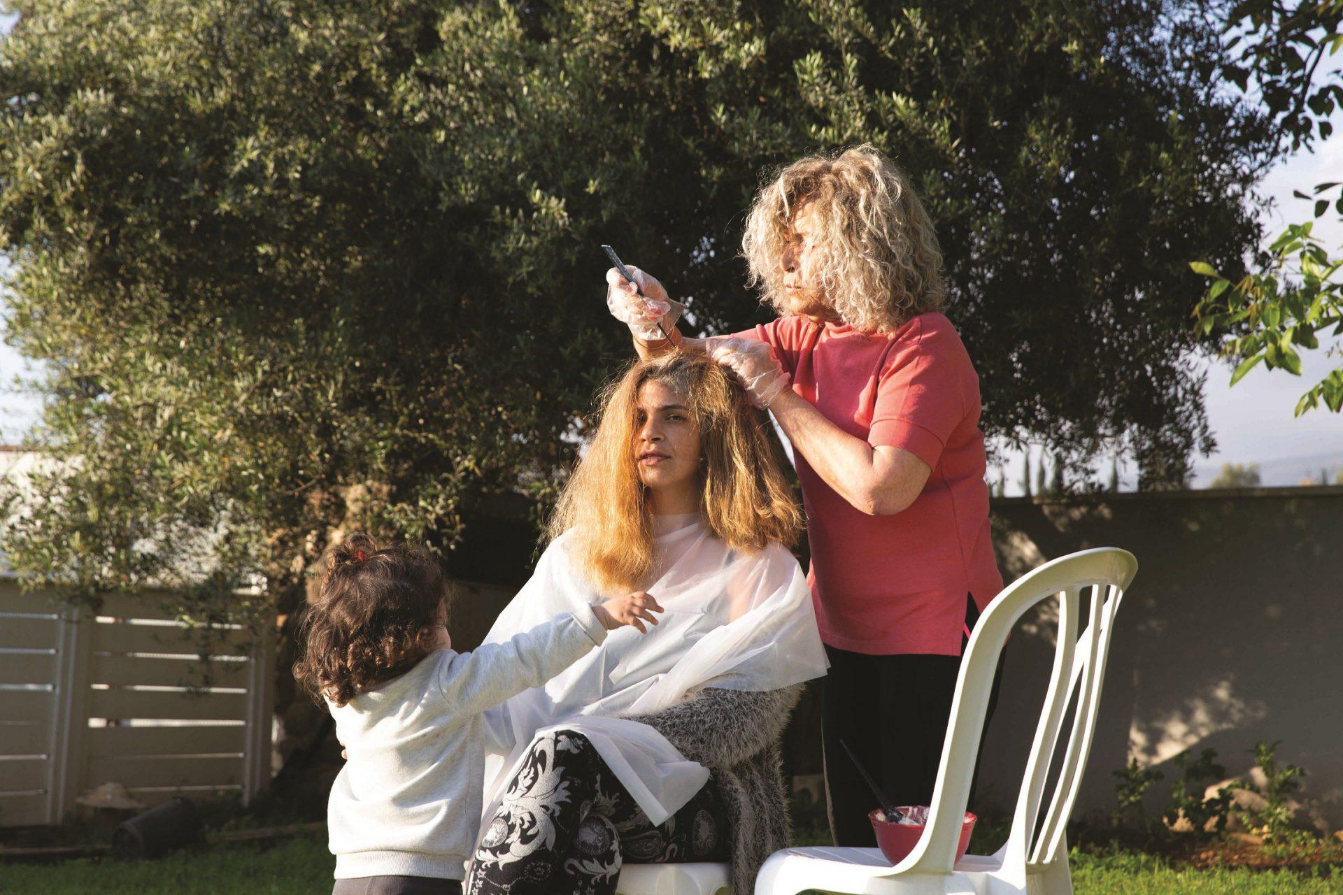 אימי סוזי הספרית שלושה דורות צילום אושרי חיון