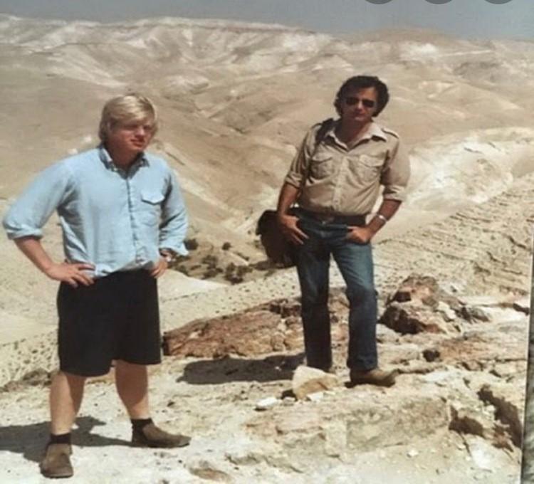 בוריס גונסון מתנדב בכפר הנשיא בטיול במדבר יהודה