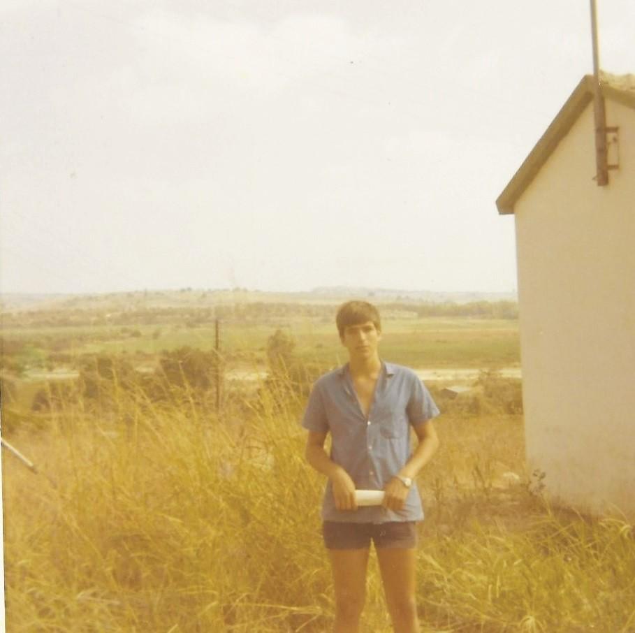 ענב אורן בן 19. 1972