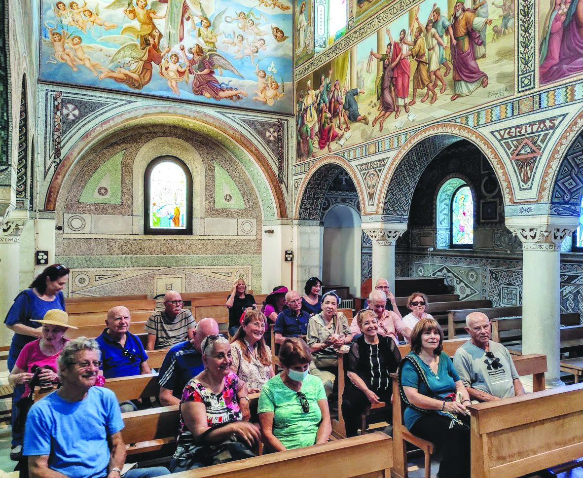 המטיילים בכנסיית סטפנוס הקדוש צילום עמיחי גלעד