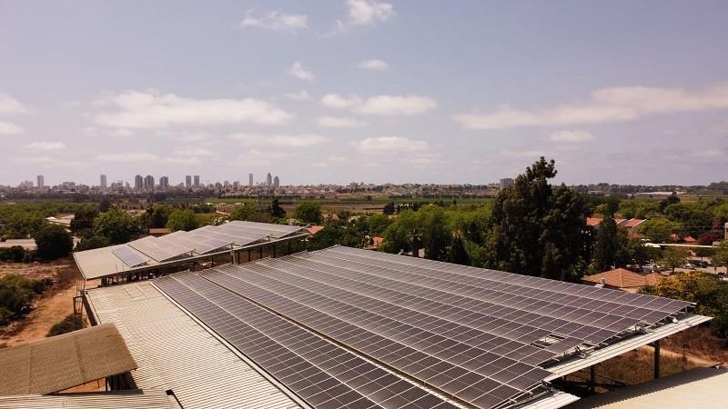 גג סולארי על רפת צילום שיראל סולאר