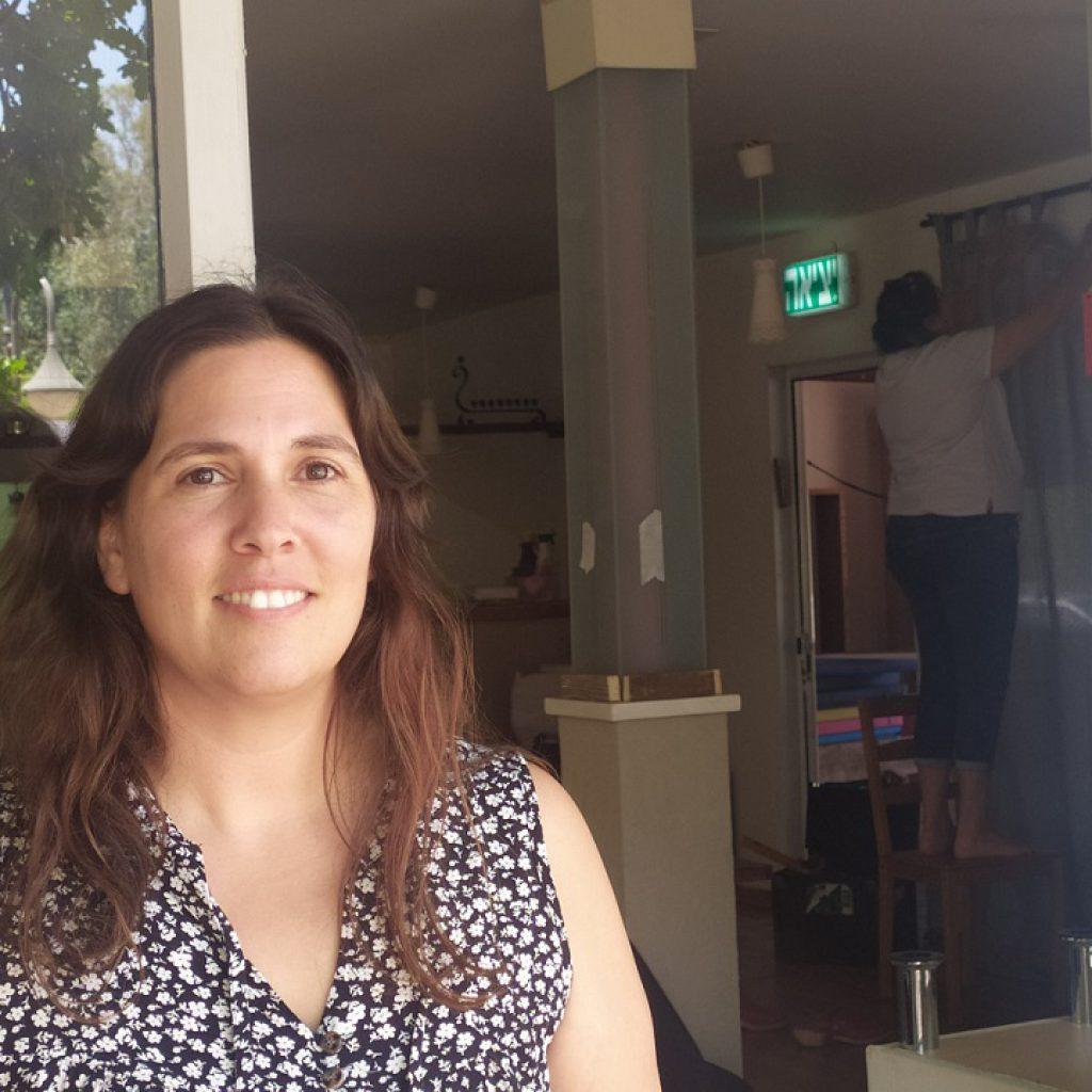 יערה סולימני מנהלת עמותת צורימן - כפר האמנים במושב אניעם