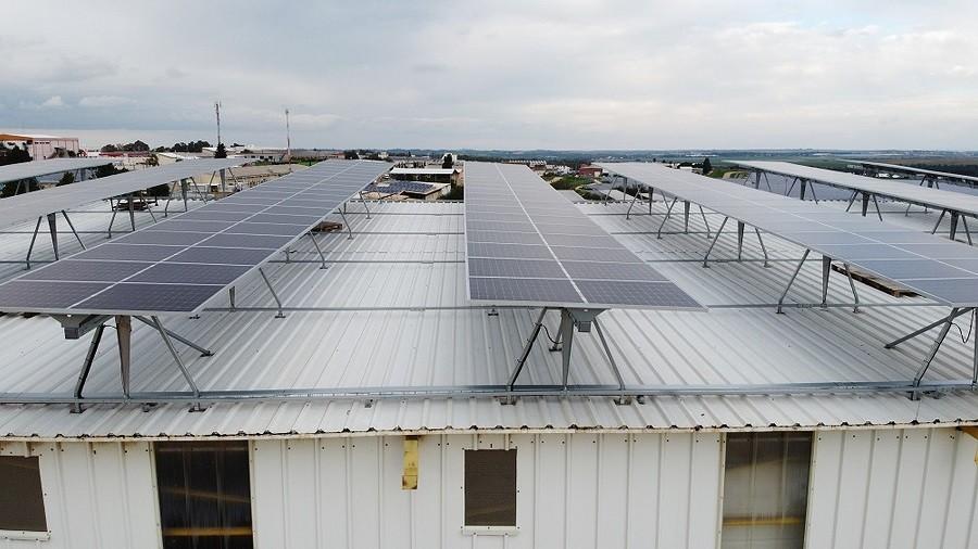 פאנלים סולאריים במערכות עקיבה של solar tracker