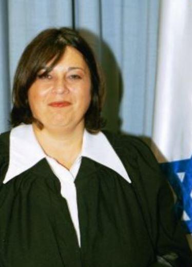 השופטת רבקה מקייב אתר בתי המשפט