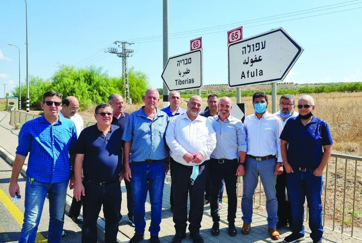 מנסור עבאס יצן פלג אייל בצר וראשי רשויות יהודיות וערביות במפגש חרום על כביש 65